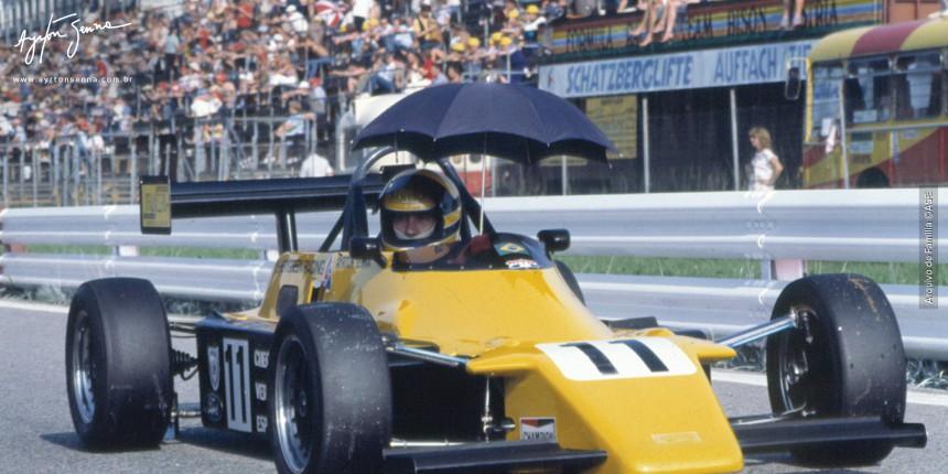 Ayrton Senna aguardando a largada