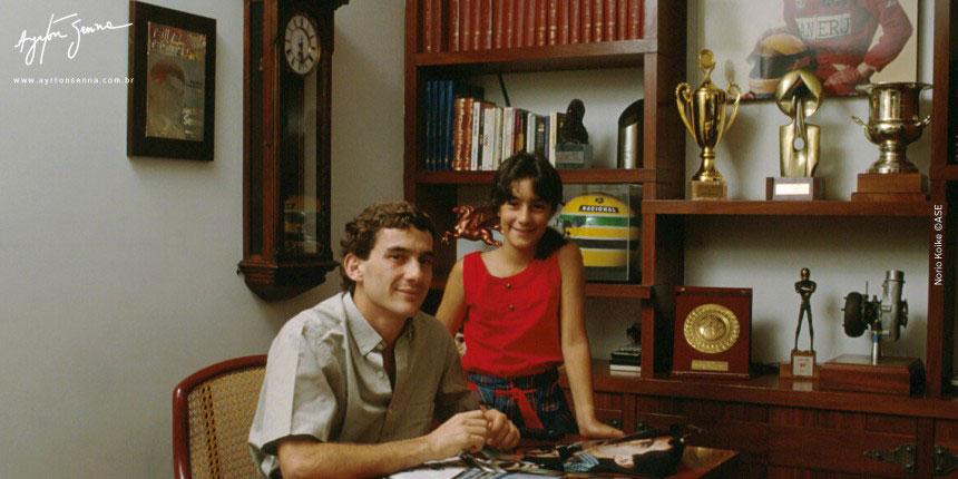 Ayrton e a sobrinha Bianca em sua casa em São Paulo 1986