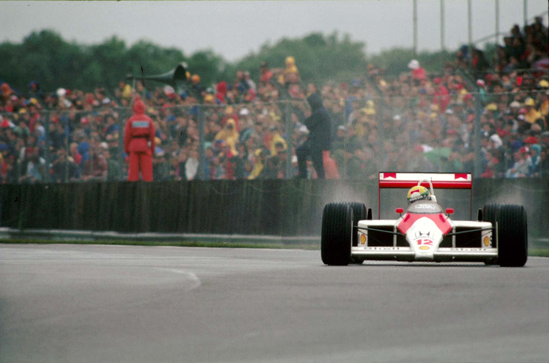 A win and a spectacle on wet track in British GP 1988 - The